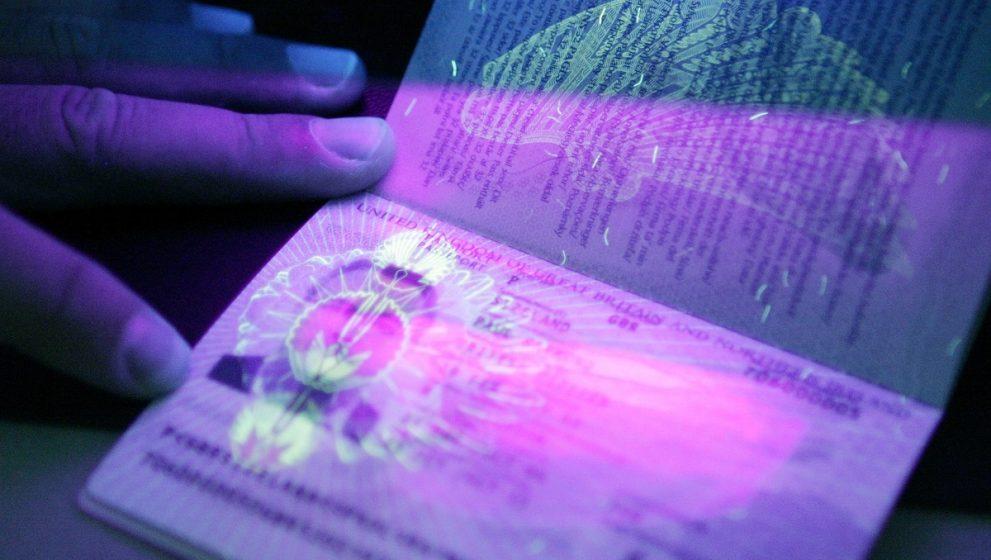 Pasapoartele biometrice, noi oportunitati pentru furtul de identitate