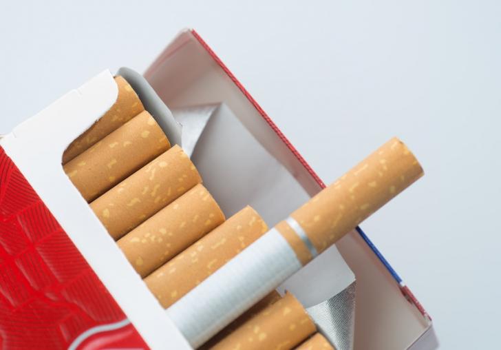 Standardizarea pachetelor de tigari incalca dreptul de proprietate si libera exprimare